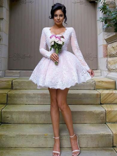 Carino A-Line V-Neck Tulle Corto / Mini applicazioni in pizzo a manica lunga abiti da sposa # UKM01012937