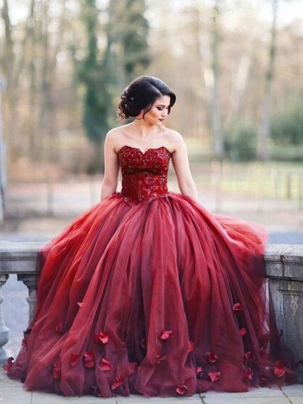 Ball Gown Burgundy Sweetheart Evening Dresses