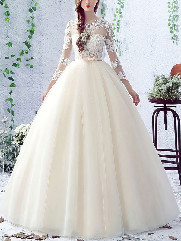 Elegant Open Back Ivory Pretty Wedding Gown