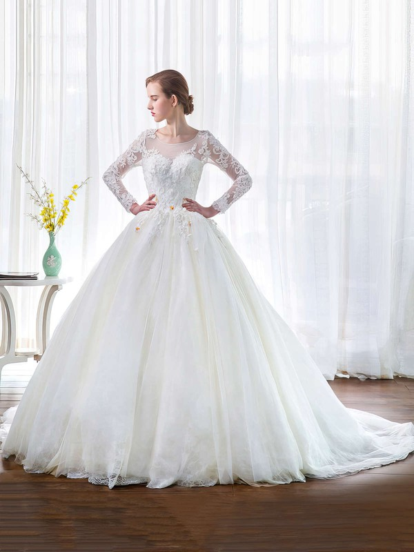Elegant Tulle Long Sleeve Pretty Bridal Dresses