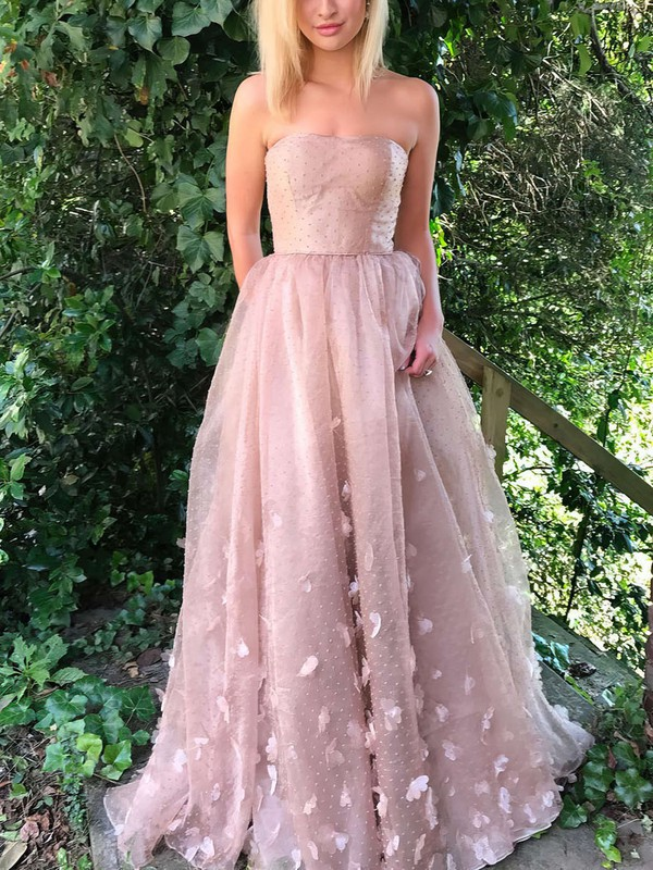Modest Strapless Tulle Dresses for Prom